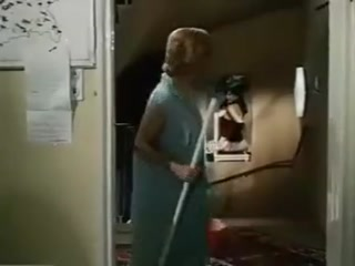 Секс видео лесби с большими сиськами, которые трахаются в киску на диване