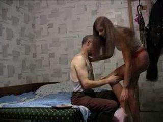 Отец трахнул дочку с большими сиськами на большой кровати - порно онлайн бесплатно hd качества